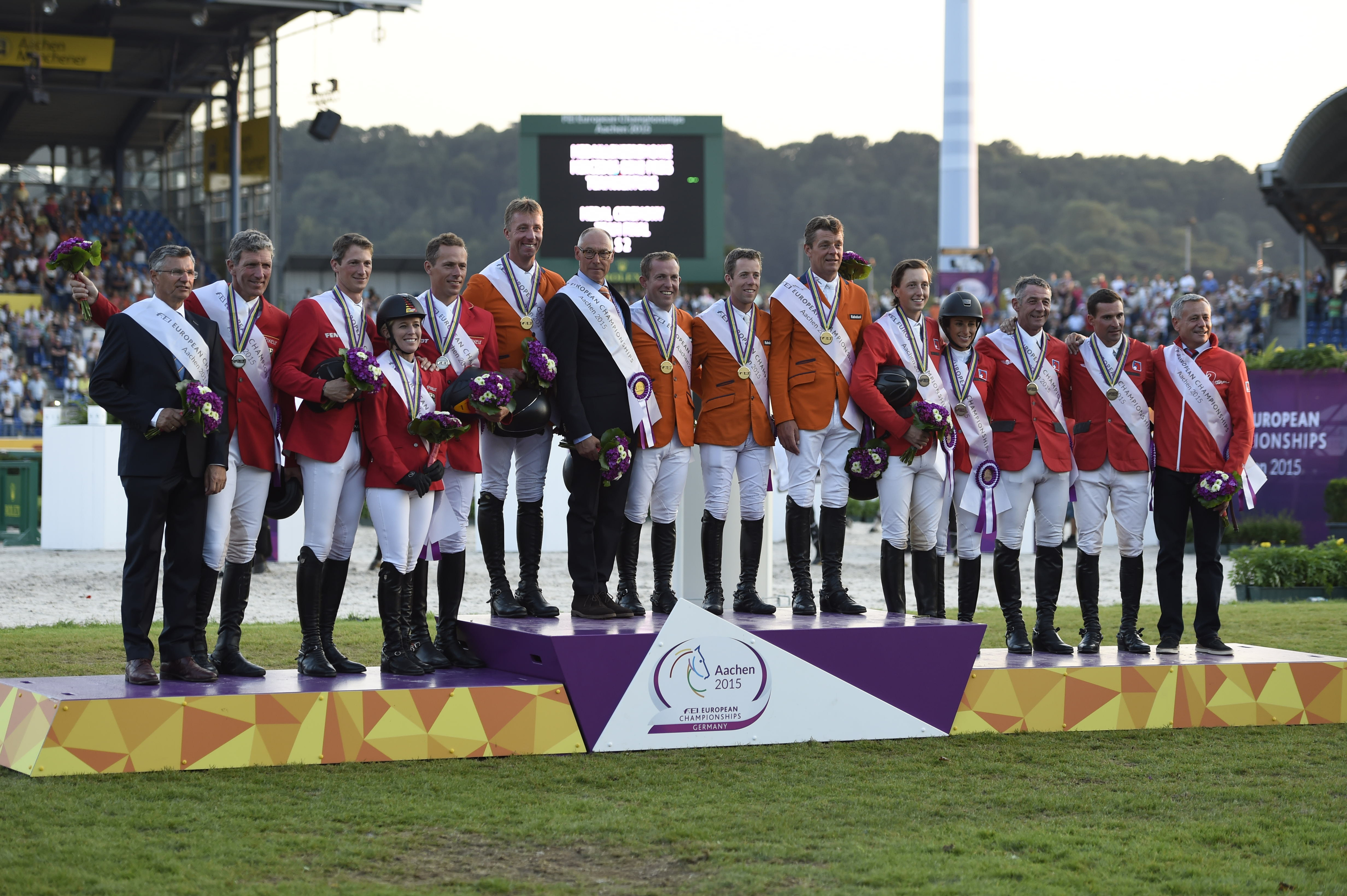 Horse Times Egypt: Equestrian Magazine :News :THE NETHERLANDS WIN THE TEAM COMPETITION AT THE FEI EUROPEAN CHAMPIONSHIPS IN AACHEN. SPAIN'S SERGIO ALVAREZ MOYA TAKES THE LEAD IN THE INDIVIDUAL COMPETITION.